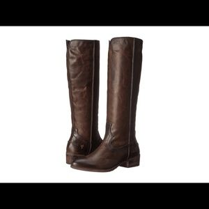 Frye ray seam tall in size 8M
